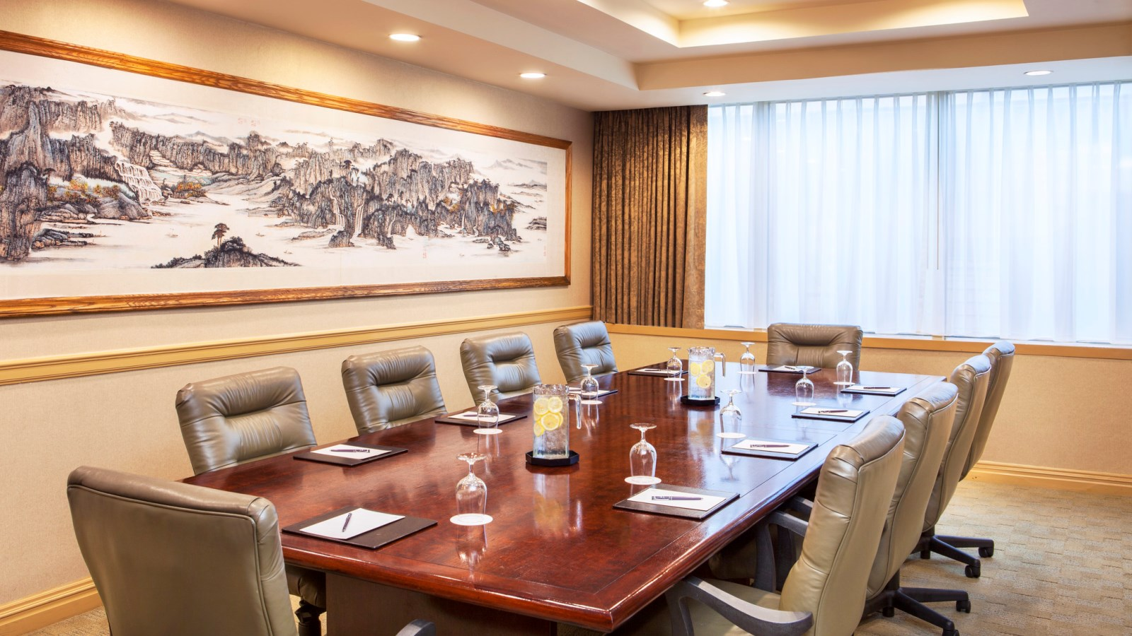 Sheraton LaGuardia East Hotel - Meetings