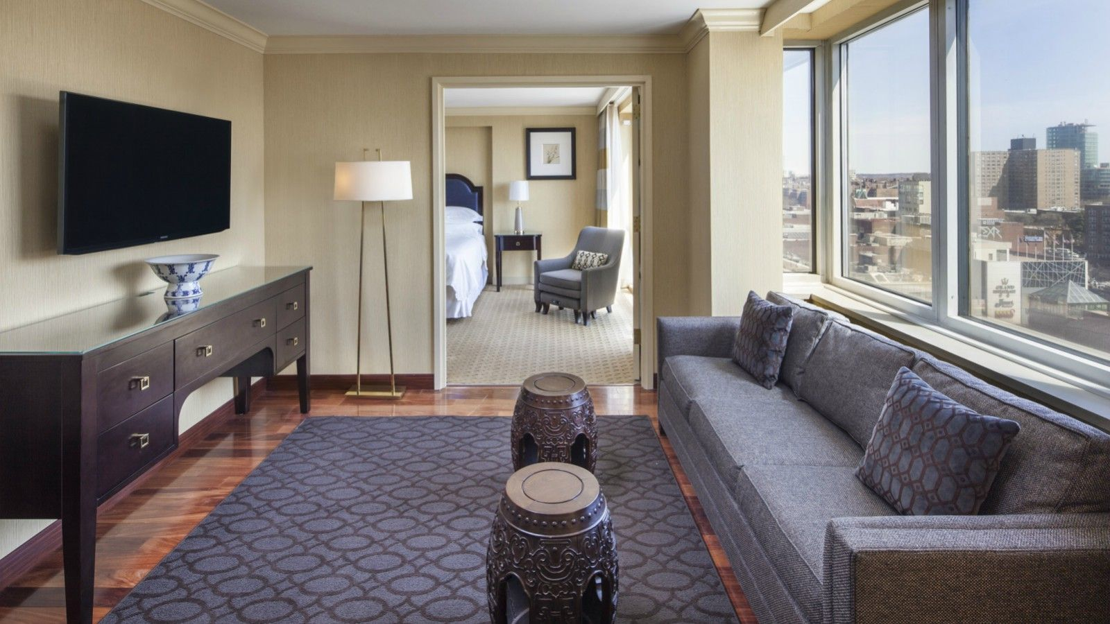 Renovated Suite Living Room | Sheraton LaGuardia East Hotel